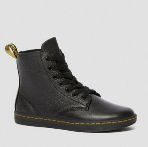 Dr. Martens Leyton Leather Casual Boots Size 8
